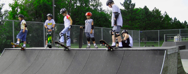 Picture of kids at skatepark