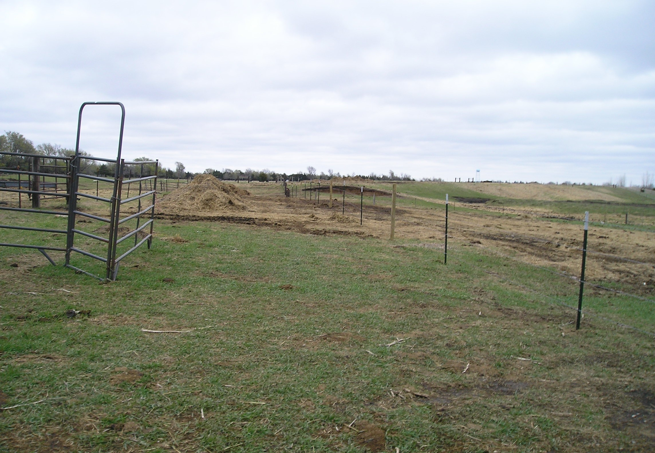 fencing protects stream from livestock manure erosion